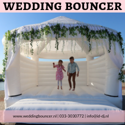 bruiloft-springkussen-wedding-bouncer-in-heel-nederland